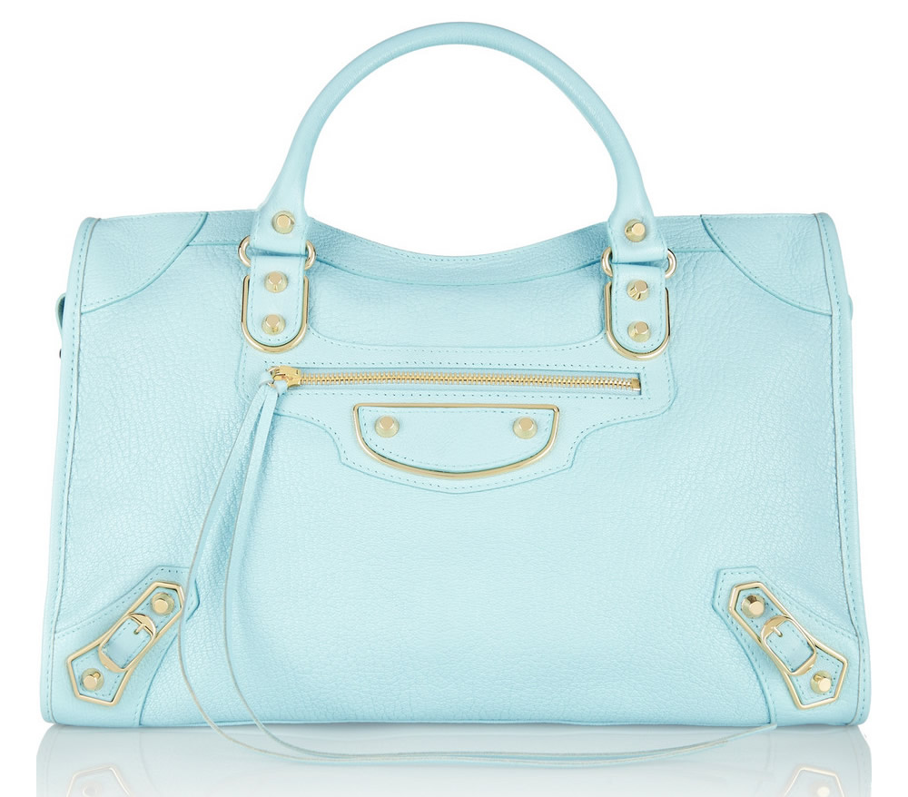 A New Stylish Color Of Balenciaga To Love