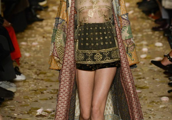Valentino_Couture_spring_summer_2016_collection2-600x420