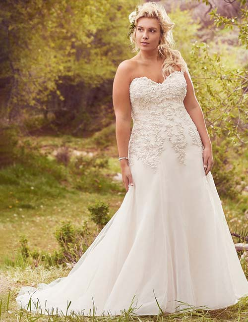 A-Line Plus Size Dress With A Sweetheart Neckline