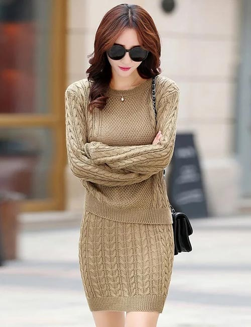Semi-Formal Dress With Long Sleeves